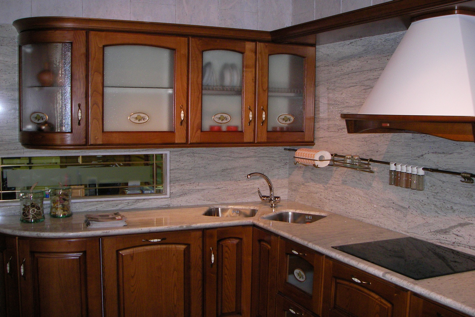 Marmoles berga marmolistas berga marmolistas marmoles en for Diseno cocinas y banos
